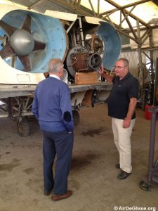 Inspection de la turbine du Naviplane N102-C-3