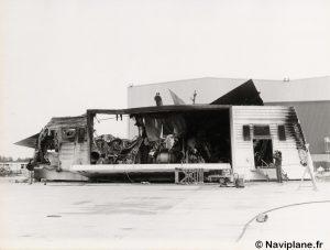 """L'arrière du N500-01 """"Côte d'Argent"""" après l'incendie"""