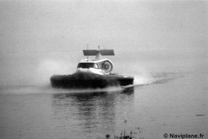 Un Naviplane N102 sur l'estuaire de La Rance